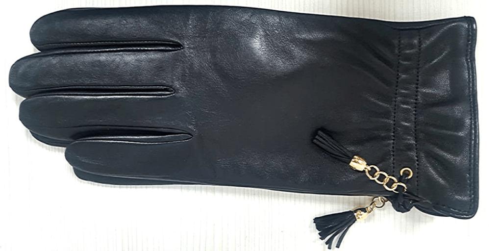 Эффектные женские черные перчатки с декоративным элементом